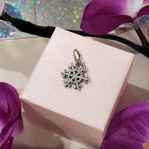 🌺 Pandora Snowflakes Pave Dangle Charm 🌺